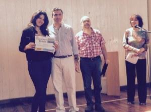 Mención del Jurado: Alison de Anchoriz (6to año, 1era división) Entrega el premio el Sr. Sebastián Dib, Director Ejecutivo de la Cámara de Empresas del Distrito Tecnológico de la Ciudad de Buenos Aires